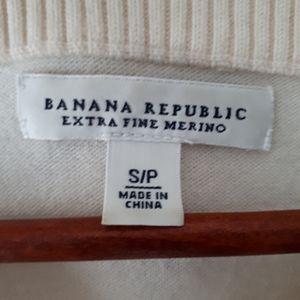 Banana Republic Sweaters - Banana Republic Extra Fine Merino Cream Sweater